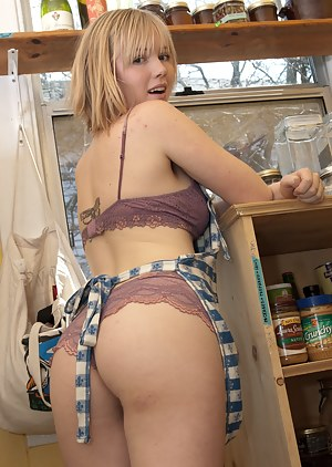 Big Ass Kitchen Porn Pictures